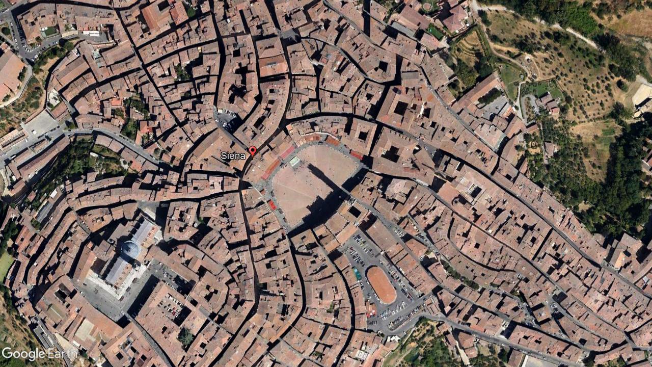 Quảng trường trung tâm thành phố Siena- Italy (Cơn khát cảnh quan tại Việt Nam)