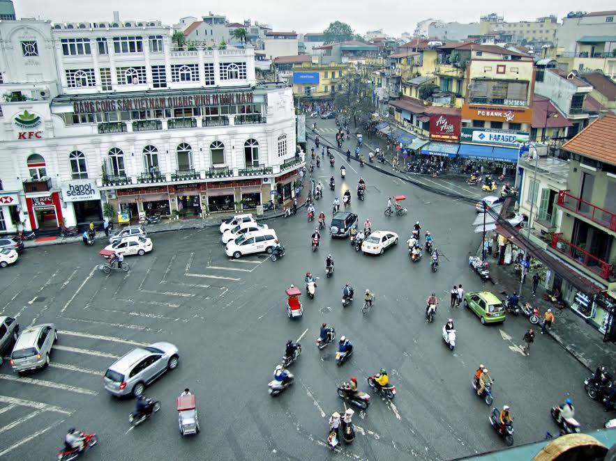 Cơn khát cảnh quan tại Việt Nam – Quảng trường của nước Ý và ngẫm về cảnh quan công cộng của Việt Nam