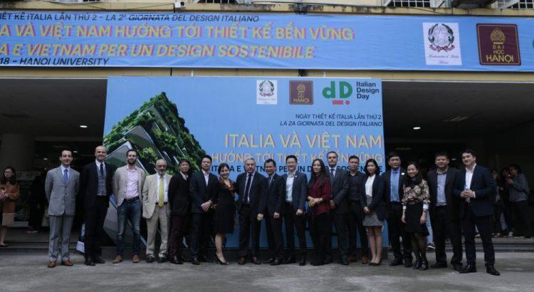 Ông Thái Bình Dương chụp ảnh cùng Bà Đại sứ Cecilia Piccioni và các quan khách là các công ty danh tiếng và các giáo sư, tiến sĩ, kiến trúc sư tham gia sự hợp tác giữa Ý và Việt Nam