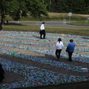 Recycling Labyrinth Art Installation at the UN / Tác phẩm sắp đặt: Mê cung tái chế