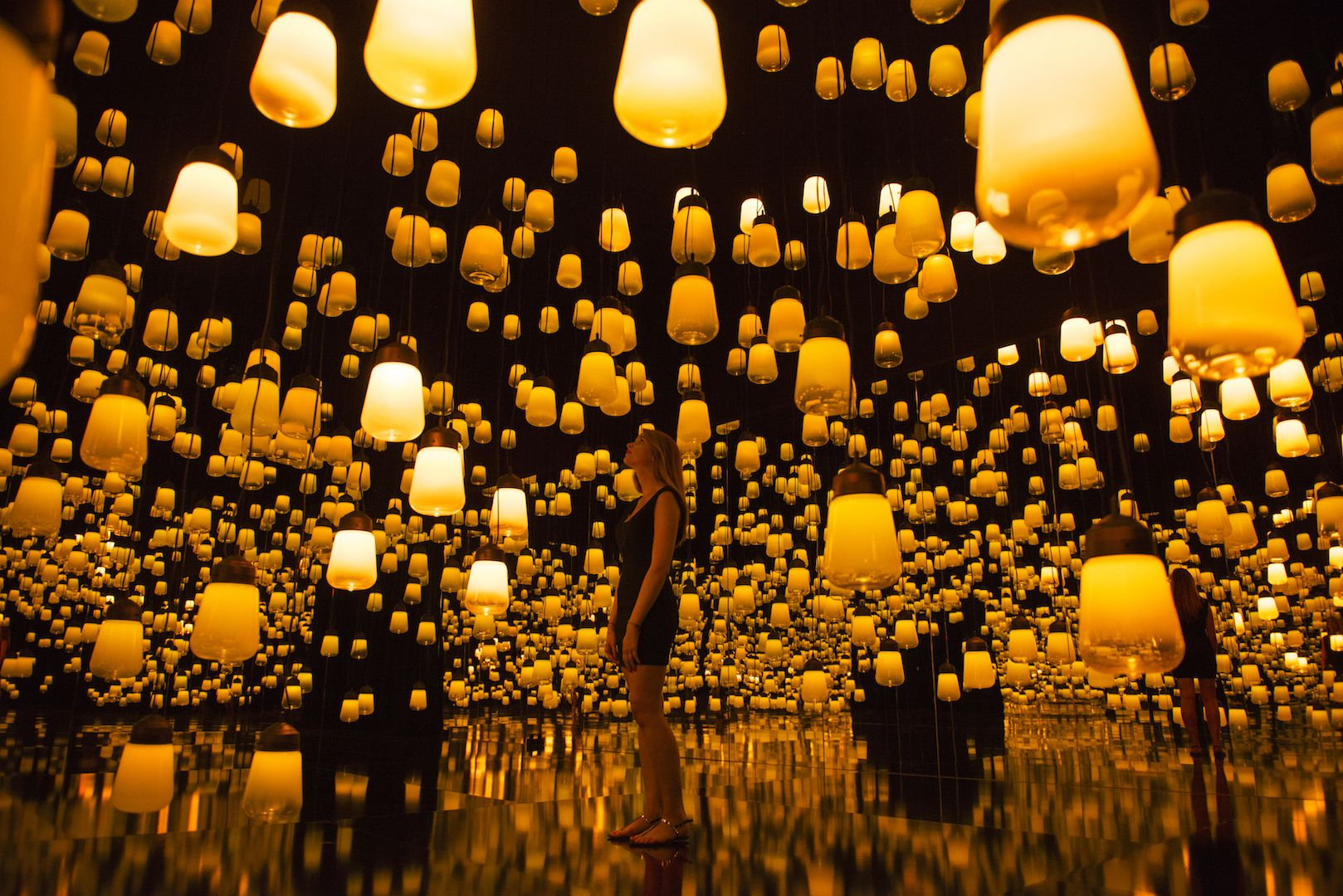 Forest of Resonating Lamps – One Stroke