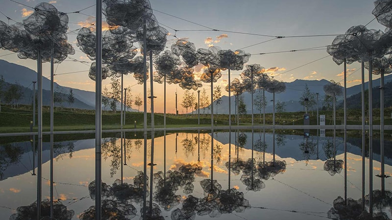 Discover Swarovski Kristallwelten: The Crystal Cloud & Mirror Pool / Đám mây pha lê