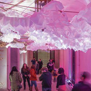 Lantern Field, an interactive installation with paper, light and sound / Đèn lồng, tác phẩm sắp đặt tương tác với giấy, ánh sáng và âm thanh